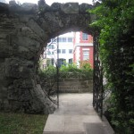 Queen-Elizabeth-Park-Bermuda-Moongate-Doorway
