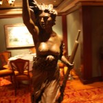 Le-Bistro-French-Restaurant-Statue-Norwegian-Jewel