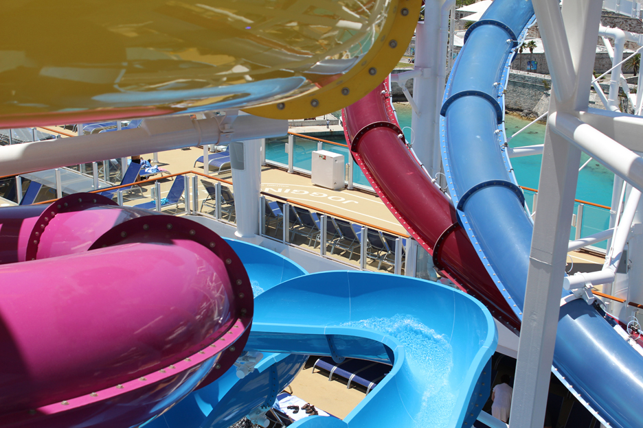 Norwegian-Breakaway-5-Water-Slides-TravelXena