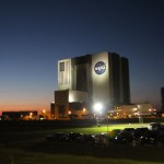 vab_vehicle_assembly_building_night_nasa_travelxena_3