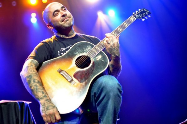 Aaron Lewis Aaron Lewis To Release 'The Road' In June