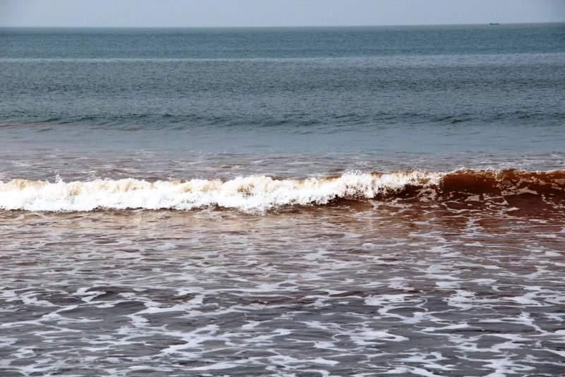 Red colour sea water tamas tirtha