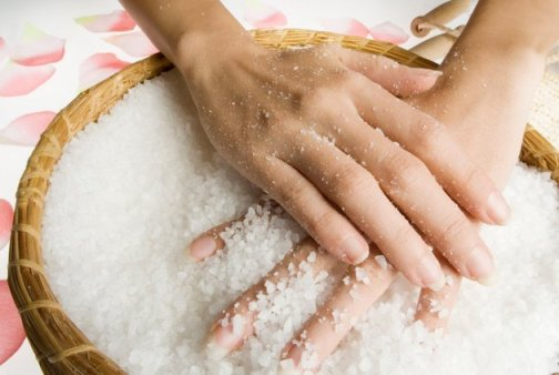 Use Olive Oil and Salt for Exfoliation