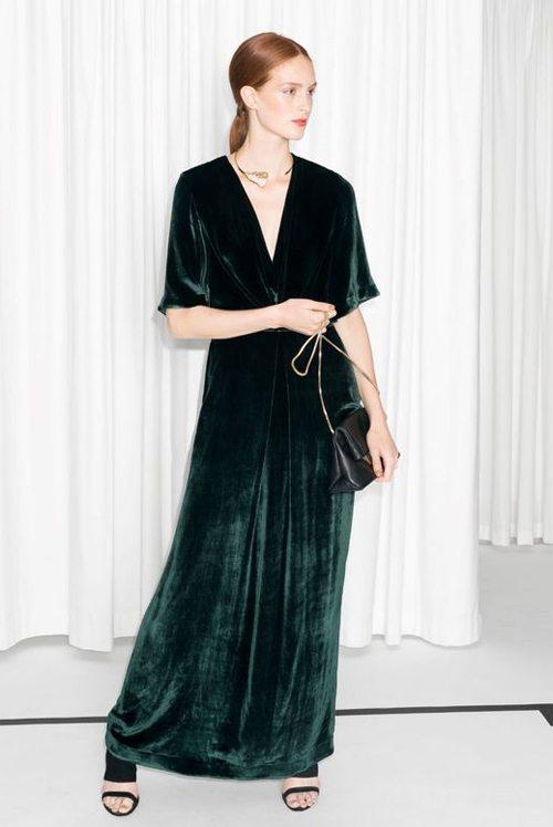 Вечернее платье из бархата темно-зеленое