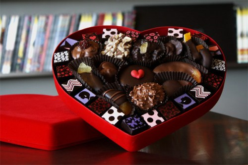 Compartes-Chocolate-Valentine-Heart-Assortment-Gourmet-Web-2_grande