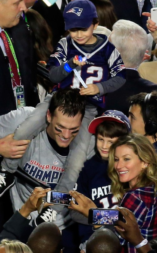 rs_634x1024-150201204920-634-tom-brady-gisele-superbowl.ls.2115