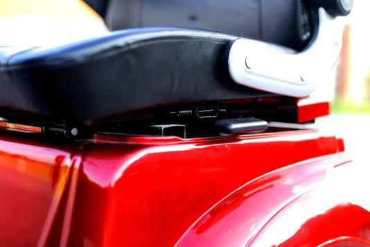 изософт-електрически-триколки-F10A-седалка