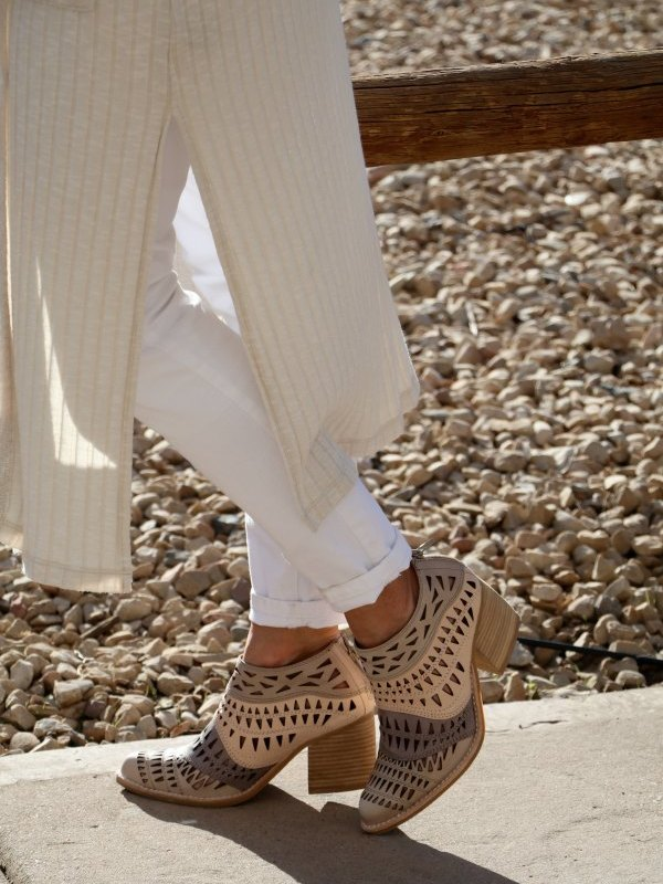HOW TO KICK UP YOUR HEELS WITH SOME SUMMER BOOTIES