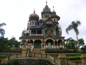 5 Can't-Miss Attractions and Rides at Hong Kong Disneyland