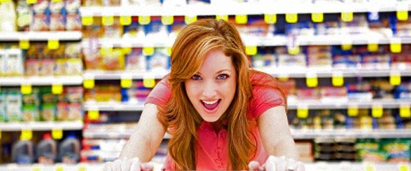 woman-grocery-shopping-6001