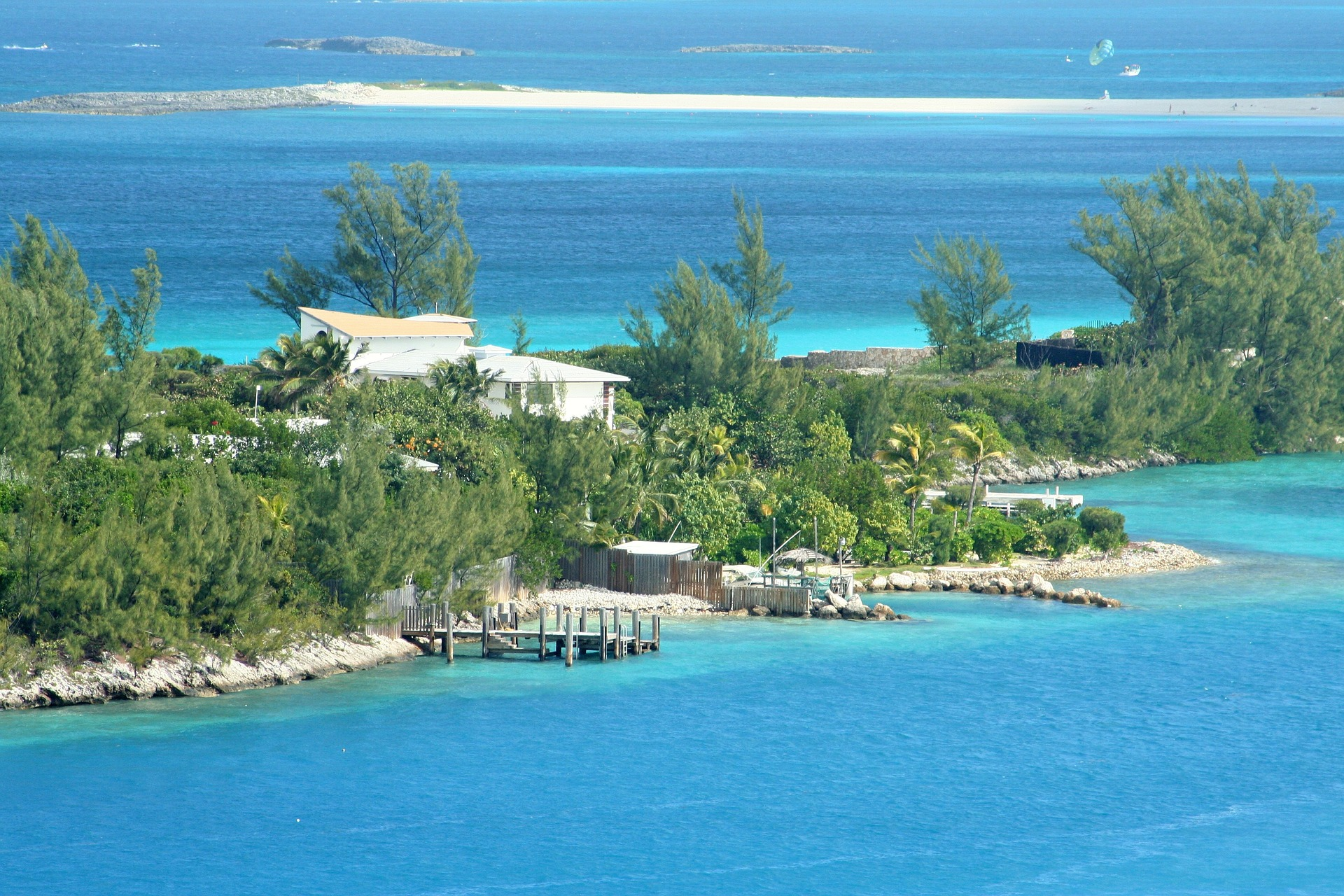 bahamas-116955_1920