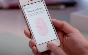 upload spinner1 620x390 300x188 The new iPhone 5s fingerprint reader... is it safe?