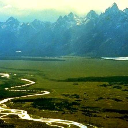 800px_Snake_River_with_Teton_Range_in_background