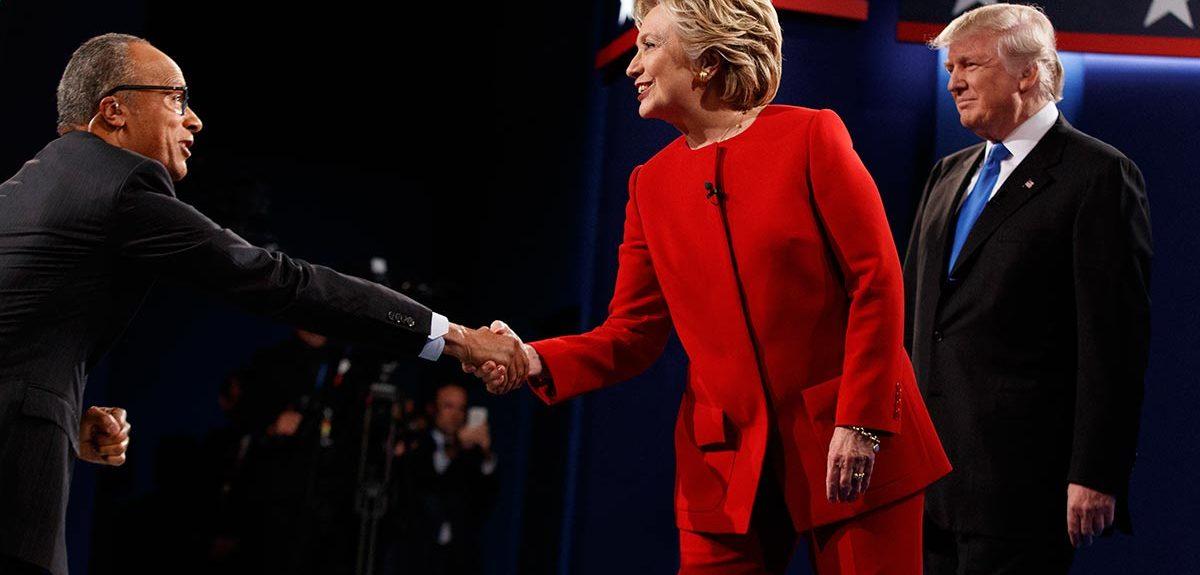 hillary-clinton-shaking-hands-at-debate