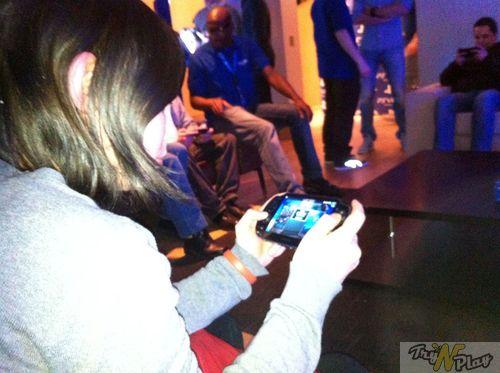 TNP TNP EVENT PSVITA 06 02 2012 09 EVENEMENT   PS Vita : La fiesta avant la Vita