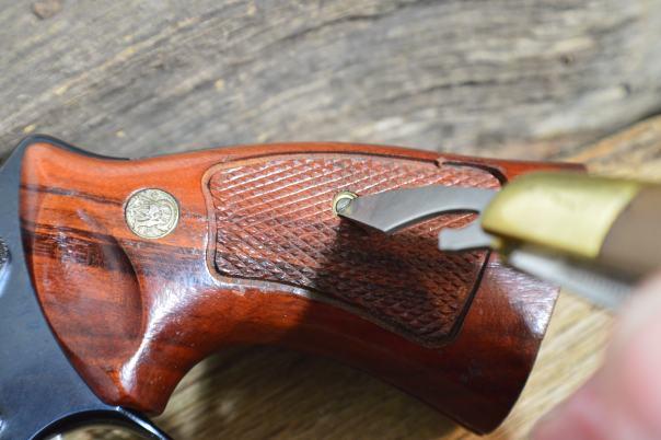Tighenting pistol grip