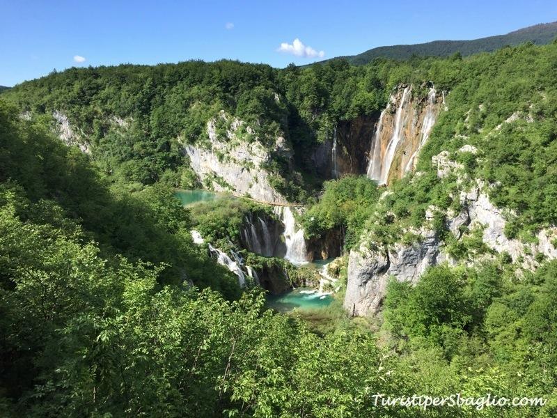 Parco Nazionale Laghi di Plitvice in Croazia, tra specchi d'acqua, cascate e passerelle sospese...