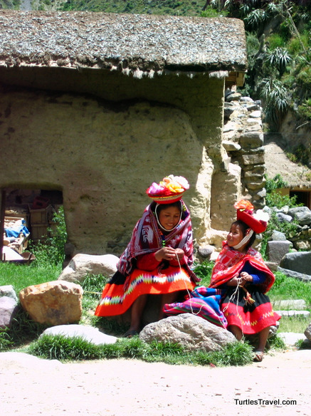 Local Ladies Ollantaytambo