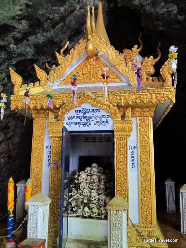 Shrine at Phnom Sampeou