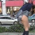 【パンチラ画像】風の通り道を歩いてたらスカートめくられちゃったwww