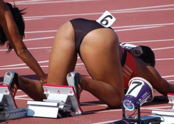 【アスリートエロ画像】女子陸上選手の食い込みが激しぃ~wwwほぼTバックww