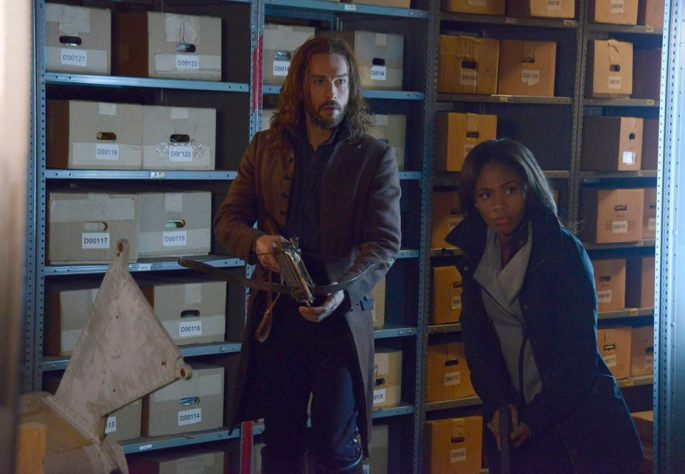 Ichabod and Abbie look for Solomon Kent in a warehouse