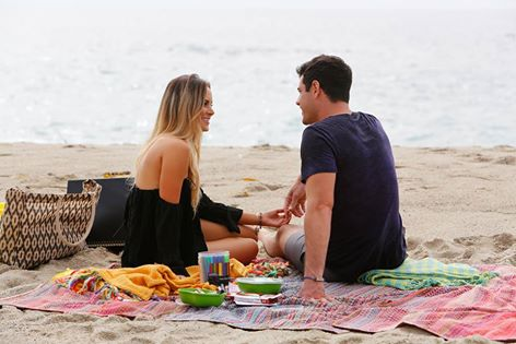 Ben Higgins and Amanda have a picnic on the beach on The Bachelor