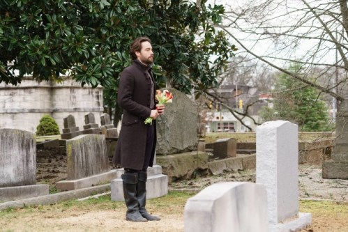 Ichabod at Abbie's grave on Sleepy Hollow