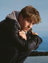 Benjamin McKenzie as Ryan on The OC