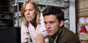 Pictured : JONATHAN BAILEY as Olly Stevens and CAROLYN PICKLES as Maggie Radcliffe. | Photo Credit: © BBC