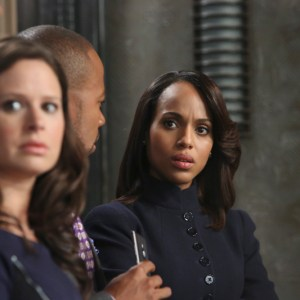"""SCANDAL - """"Guess Who's Coming to Dinner"""" - Through flashbacks we learn more about Olivia's estranged relationship with her father. Meanwhile, both the White House and  Pope & Associates are still in the middle of cleaning up the very big and very public mess they created, on """"Scandal,"""" THURSDAY OCTOBER 10 (10:00-11:00 p.m., ET) on the ABC Television Network. (ABC/Danny Feld) KATIE LOWES, COLUMBUS SHORT, KERRY WASHINGTON"""