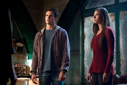 "The Tomorrow People -- ""Kill or Be Killed"" -- Pictured (L-R): Robbie Amell as Stephen and Peyton List as Cara --  Photo: Cate Cameron/The CW --  ©2013 The CW Network, LLC. All rights reserved."