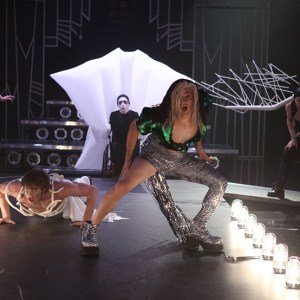 """GLEE: L-R: Marley (Melissa Benoist), Ryder (Blake Jenner), Artie (Kevin McHale), Blaine (Darren Criss) and Sam (Chord Overstreet) perform in the """"A Katy or a Gaga"""" episode of GLEE airing Thursday, Nov. 7 (9:00-10:00 PM ET/PT) on FOX. ©2013 Fox Broadcasting Co. CR: Beth Dubber/FOX"""