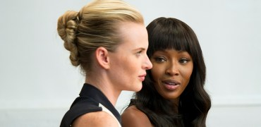 "THE FACE -- ""Sell, Sell, Sell!"" Episode 204 -- Pictured: Supermodel Coaches Naomi and Anne V -- (Photo by: Steve Fenn/Oxygen)"