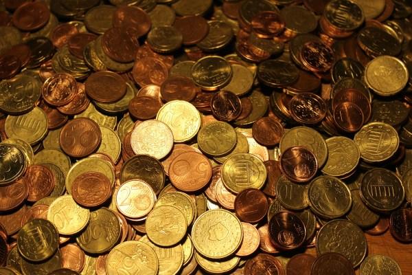 money-579000_1920
