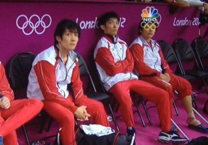 2012-olympics-perfectly-timed-graphic-overlay-oympic-ring-glasses