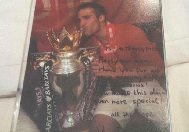 Robin van Persie's signed photo sent to Piers Morgan