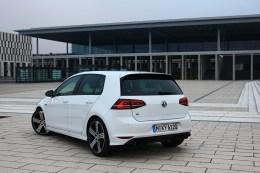 VW Golf R_008