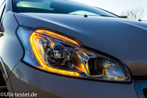 Peugeot 208GTi_018