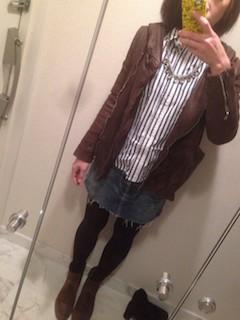 3ブラウンのレザージャケット×ストライプシャツ×デニムスカート