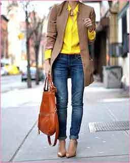 5黄色シャツ×茶系ロングジャケット×デニム