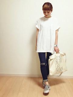 11スリッポン×白Tシャツ×デニムパンツ