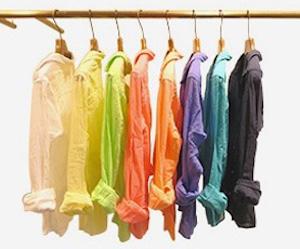 秋シャツの色選び