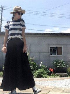 4黒のスカンツ×ボーダーTシャツ