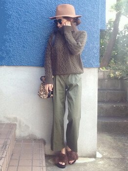 12ファースポサン×セーター×ワイドパンツ