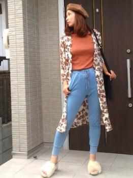 6ファースポサン×ロングシャツ×デニムパンツ