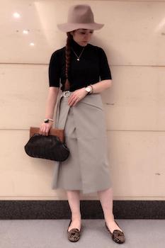 ラップ風スカート×半袖ニット×ハット