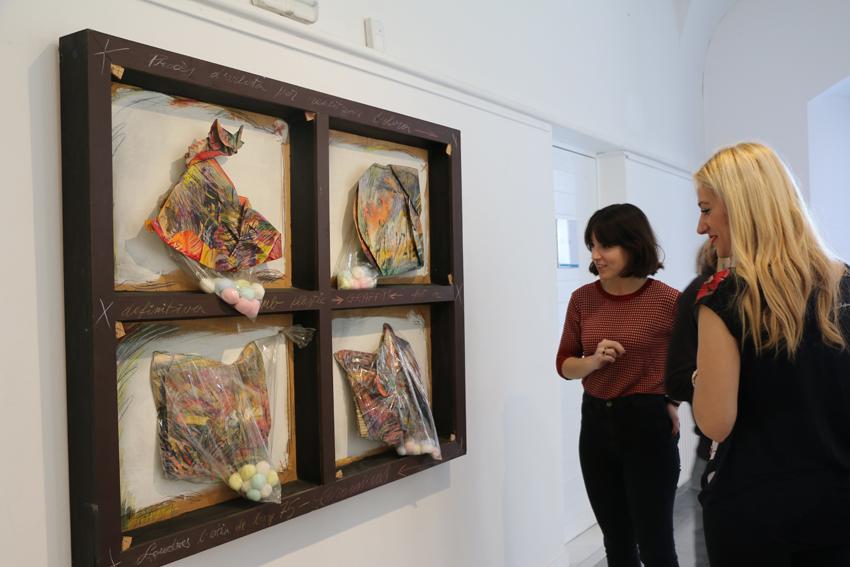 Expo Corominas, Història de l'Art, CCla Mercè, Estrats