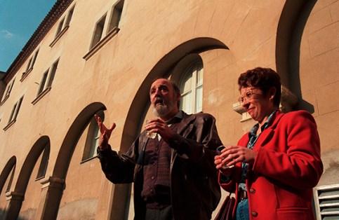 Salomó Marquès i Anna Maria Garcia, al pati del Seminari (Estudi General), 13 de desembre de 1992