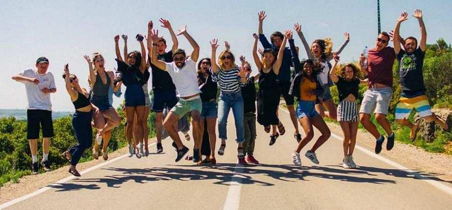 Portugalske volonterke volontiraju u Udruzi Dyxy, a 09.04. 2019. vodile su stručne suradnice, volontere i djecu  pričom o svojoj organizaciji i kvizom o Portugalu